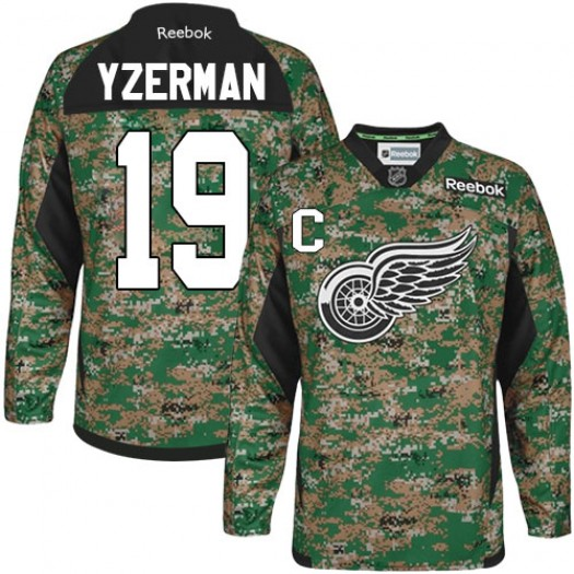 Steve Yzerman Detroit Red Wings Men's Reebok Authentic Camo Veterans Day Practice Jersey